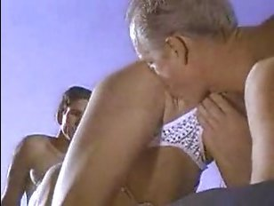 Русские порно фильмы: большие сиськи женщин побуждают мужиков на жесткий секс