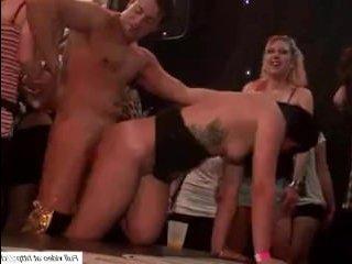 Большая секс вечеринка русских свингеров в клубе