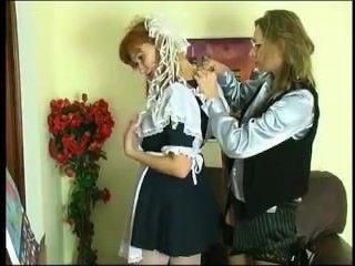 Порно: русская учительница и трахают друг друга
