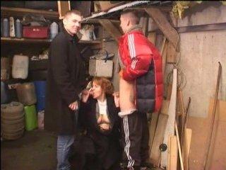 Русское порно: зрелых толстых красоток трахают парни