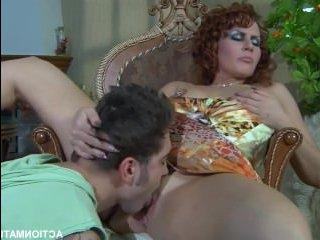 Парень устроил жаркий и реальный секс с мамкой друга