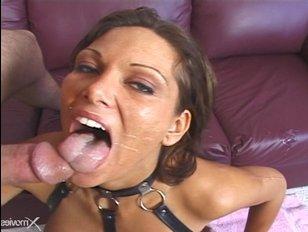 Смотреть порно: 1 девушка и 2 парня потрахались на кожаном диване