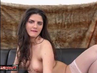 Русское порно видео: золотой дождь девушка ни раз пролила, мастурбируя себе пизду