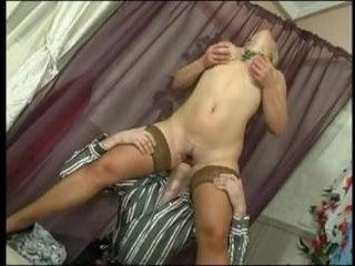 Трахнул зрелую блондинку с сиськами королевского размера