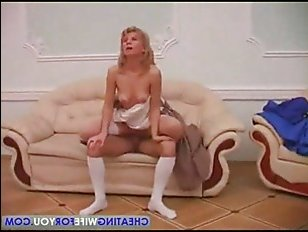 Парень выебал голую дамочку на маскараде: порно видео смотреть