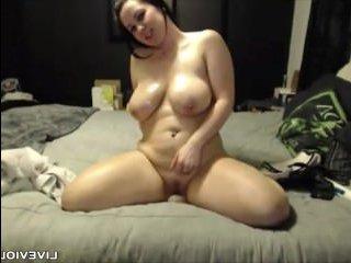 Толстая девушка с супер пышными сиськами и попой