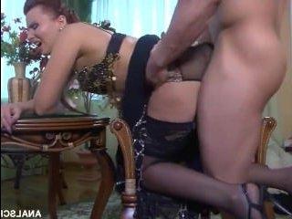 Роскошный анальный секс с русской мамой в чулках