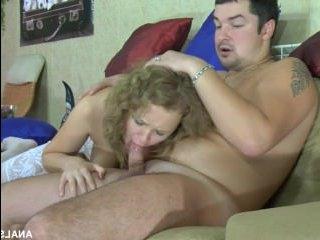 Кучерявая блондинка изменяет мужу с его же братом - порно