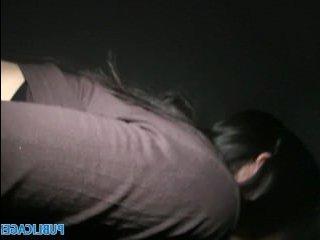 Девушки показывают пизду на улице и трахаются