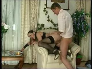 Русский частный секс: видео, где телка трахается с парнем в кресле