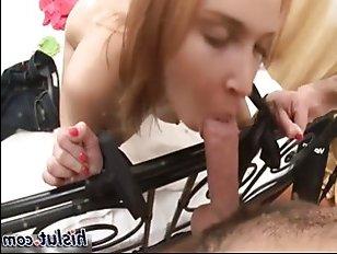 Секс с молоденькой русской девушкой озабоченного парня