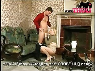 Русское порно: инцест мамки и похотливого сына