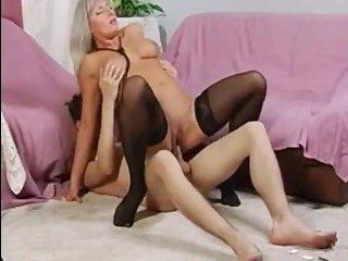 Русский порно камшот сына на обалденную мамашу