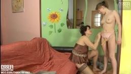 Русские лесбиянки - секс видео с двумя женщинами и страпоном
