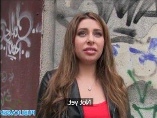 Русская молодая красавица решила узнать, что такое русский порно кастинг